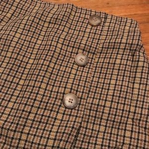 Essential plaid skirt